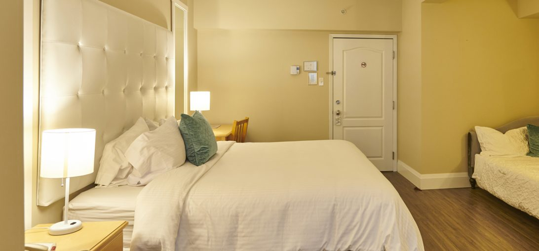 Size on view of King sized bed in Room 206.